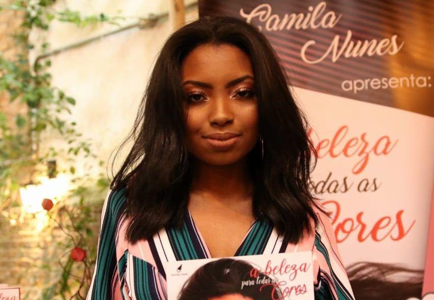 Blogueira Camila Nunes lança o livro 'A Beleza para todas as cores'
