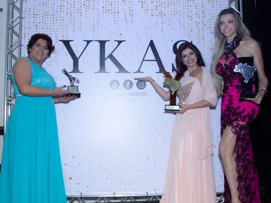 Léo Aquila e Ykas Cosméticos são laureados em Premiação Tesoura de Ouro 2018