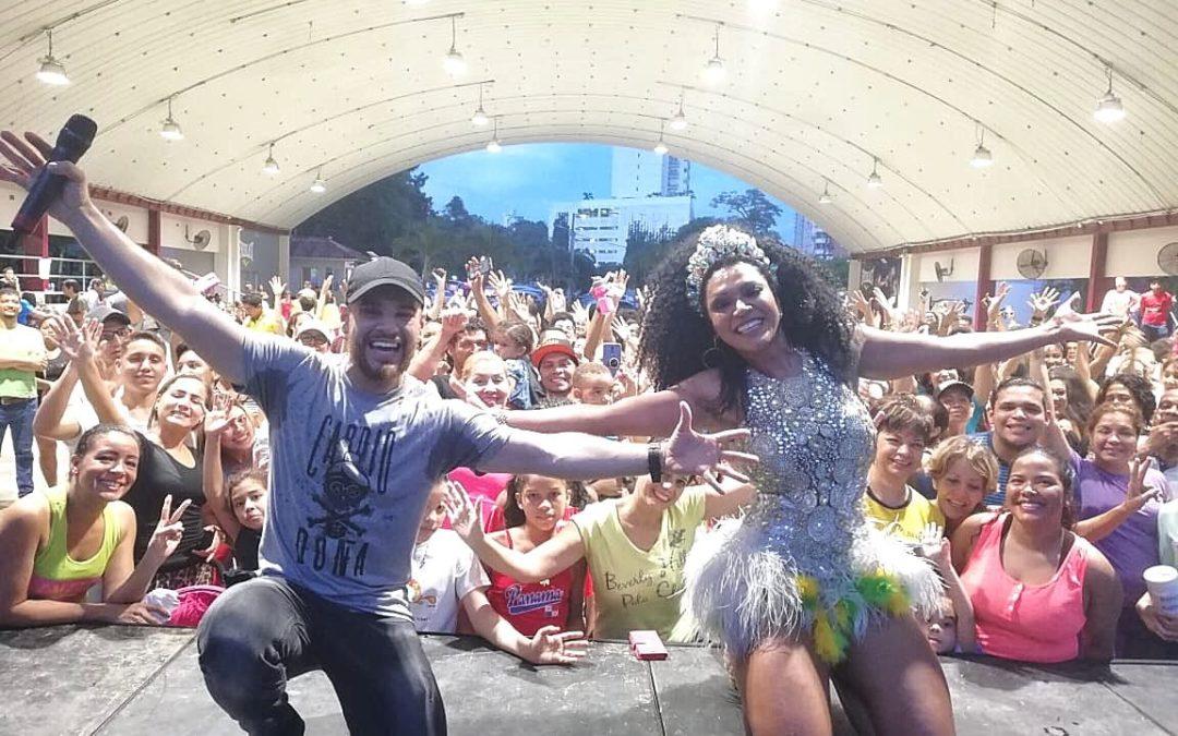 Simone Sampaio e Cantor Rodrigo Marim abrilhantam primeira edição do Brazilian Day no Panamá