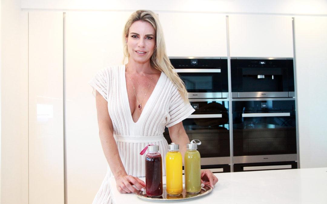 Renata de Abreu ensina receitas de elixires desintoxicantes
