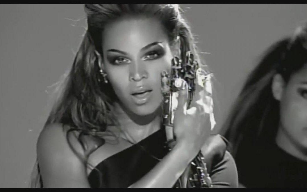 """Fanático pela cantora, professor cria a aula """"Ritmos by Beyoncé"""" em academia de São Paulo"""