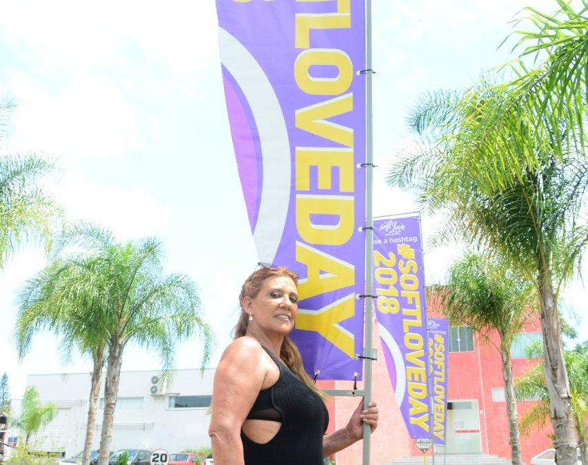 Rita Cadillac participa do maior evento da indústria sexy