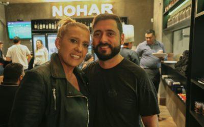 Rita Cadillac visita Nohar steak bar em São Paulo