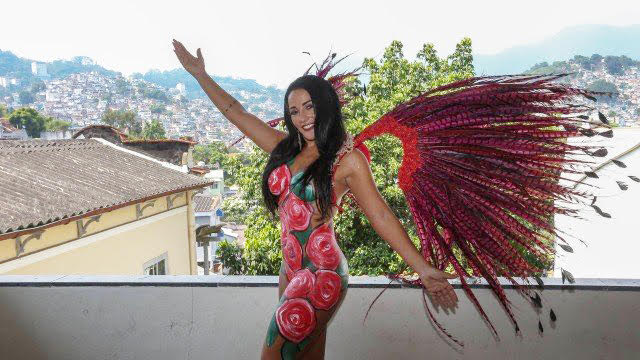 Lu Lobo aposta na pintura corporal para desfilar no Carnaval