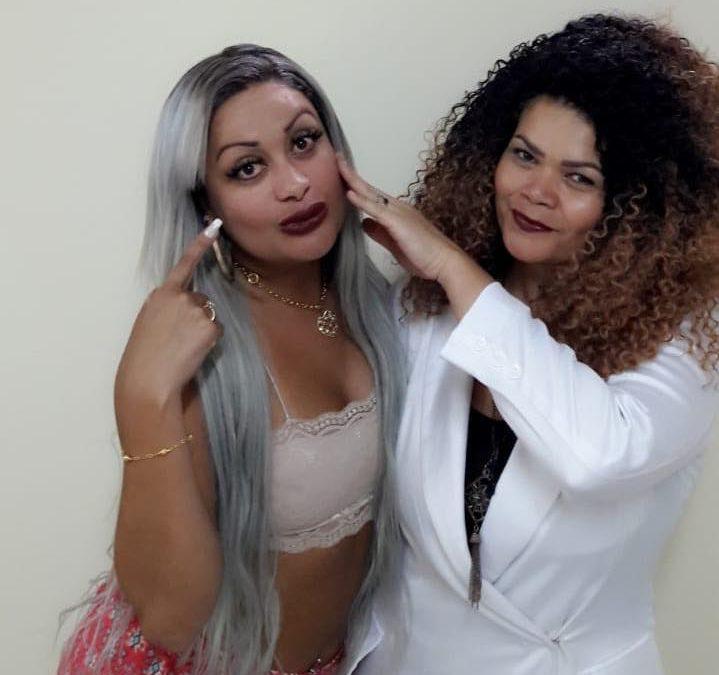 """MC Cariokinha adere ao alongamento de cílios: """"Adorei"""""""