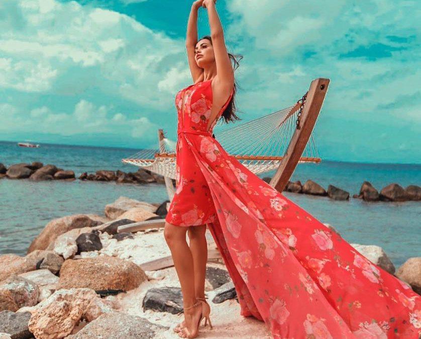 Blogueira Liliane Lima brilha em editorial de moda em aruba