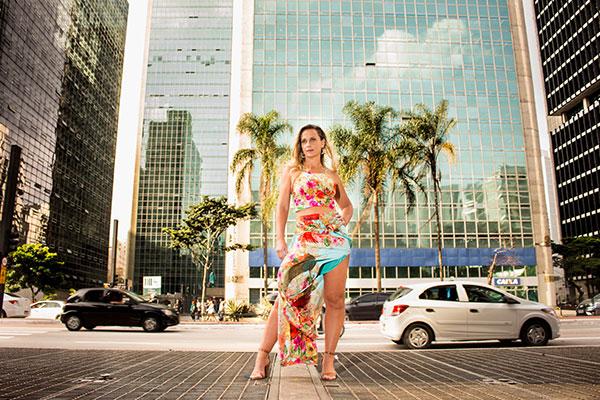 Influencer digital Carla Chia, ganha espaço no mercado