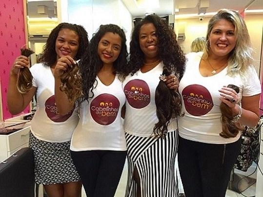 """Elis de Sá do """" Cabelinhos do Bem"""" arrecada grande quantidade de cabelos com campanha de doação"""
