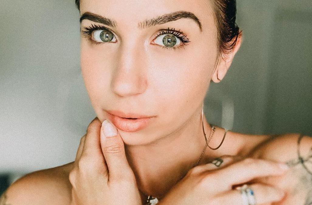 Influencer Maya Müller se inspira em MC Mirella para se lançar como funkeira
