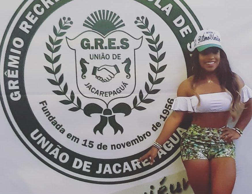 Com prêmio de melhor rainha, Caroline Lima segue na União de Jacarepaguá