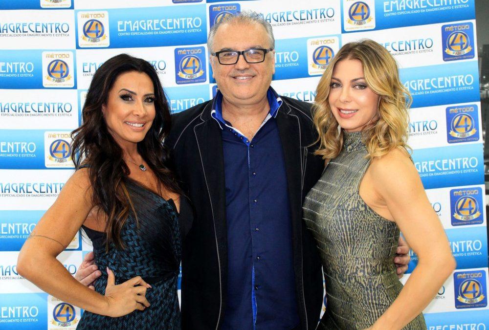 Sheila Mello e Scheila Carvalho prestigiam  premiação em São Paulo