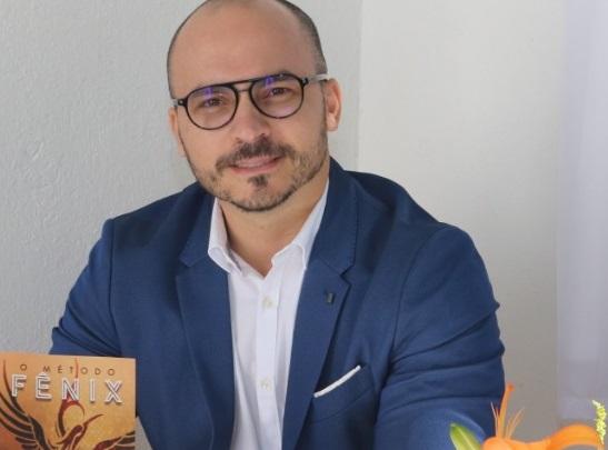 Coach Favorito dos famosos lança Livro em Paraty