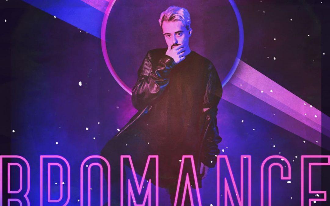 """BĒ lança """"Bromance"""", primeira faixa em inglês onde assume bissexualidade"""