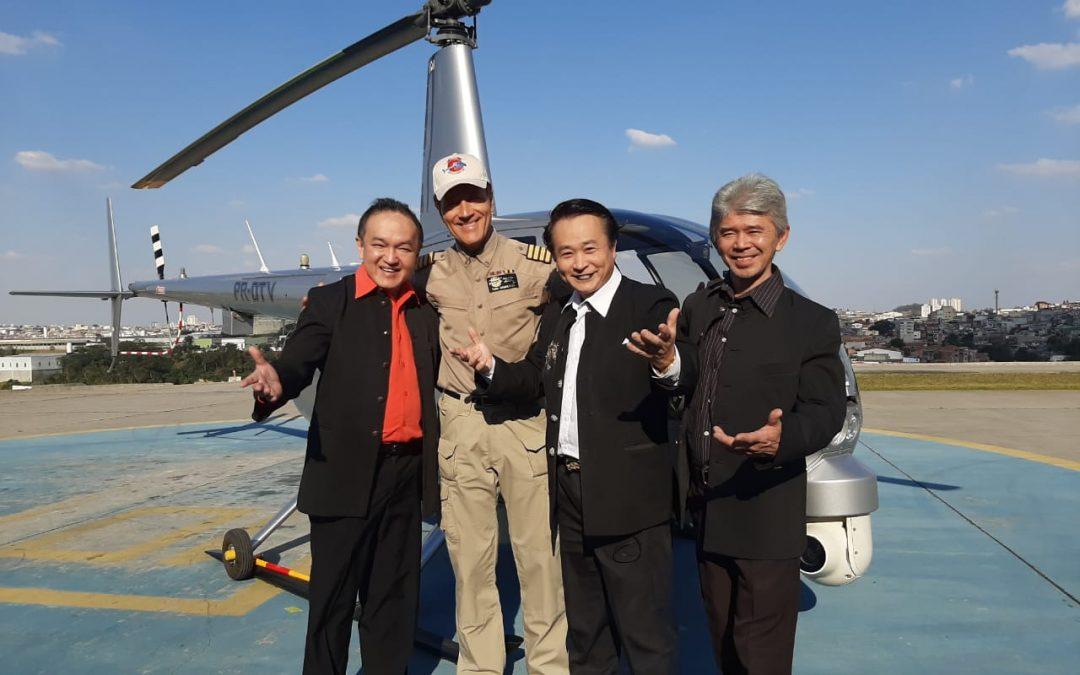 Comandante Hamilton e Mágicos do Grupo The Oriental Magic Show