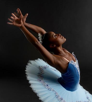 A  bailarina Ingrid Silva ,volta ao Brasil com a Dance Theatre of Harlem uma das maiores companhias de Nova Iorque