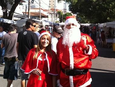 O evento Noel  na  Vila é  uma ótima opçäo para suas compras de Natal