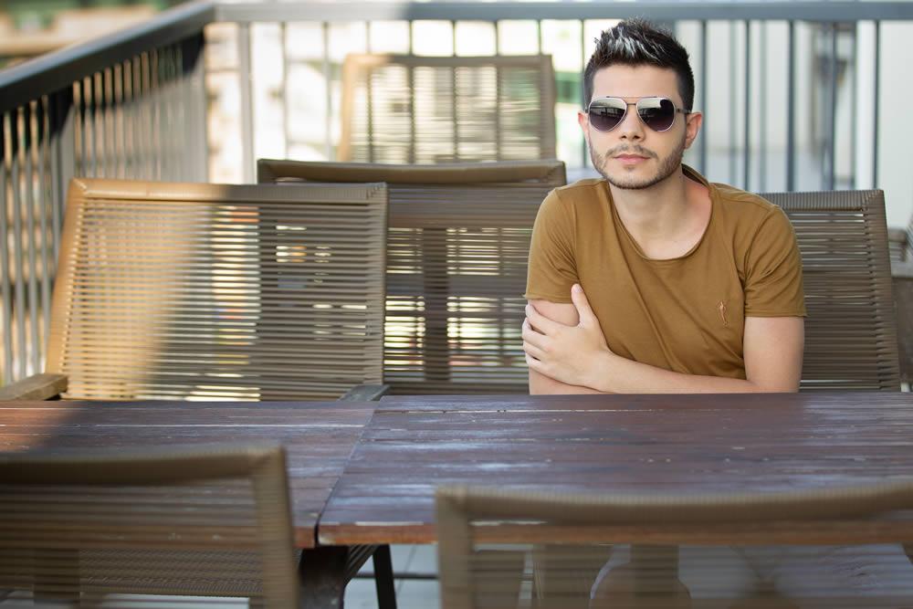 Cantor Thalles Luna lança EP acústico com pegada Reggaeton
