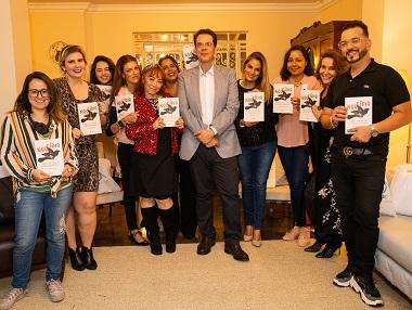 """O  """"Poder da  Mente"""" foi  tema  do Encontro de Blogueiras e Influencers com o Dr Leonardo  Lourenço autor  do  Livro  Noocídio"""