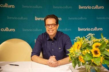 O lançamento  oficial do livro Noocídio do Dr Leonardo Lourenço aconteceu  na Livraria Cultura em Säo Paulo