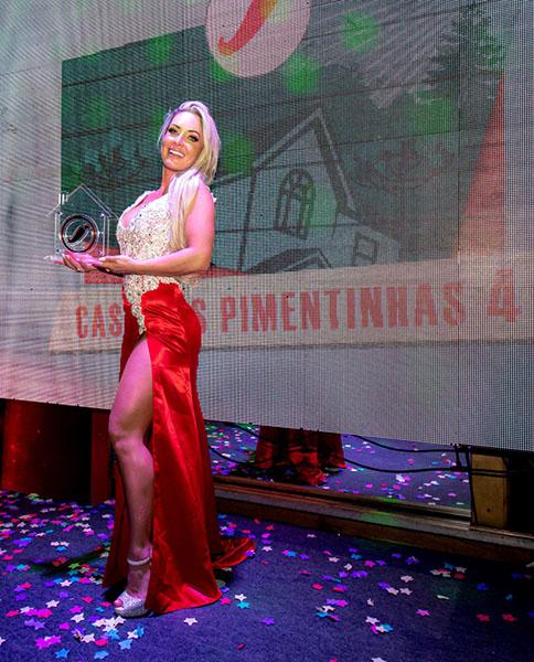 Atriz da Redetv, Iara Ferreira vence o reality 'Casa das Pimentinhas'; veja outras premiadas