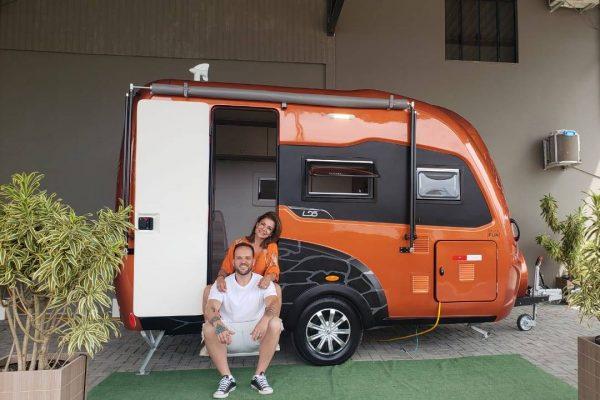 Pé na estrada: Analice Nicolau e Luiz Vidal viajam o Brasil com o programa Vem Pra Rua