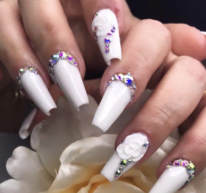 Nail designer dá dicas de unha para o Réveillon 2021