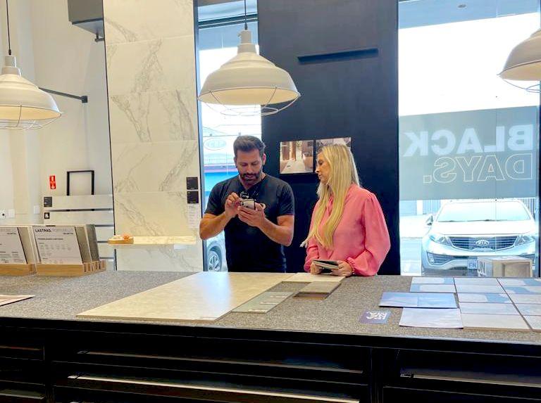 Henri Castelli e a arquiteta Patricia Moreno - Fotos: Roneia Forte / Renato Cipriano - Divulgação