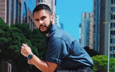 """Rodrigo Tardelli expressa felicidade com a volta de Daniel na websérie """"A Melhor Amiga da Noiva"""""""
