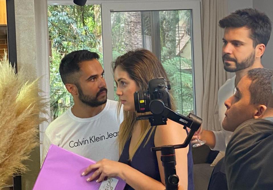 """Priscilla Pugliese fala sobre as gravações e evento online de """"A Melhor Amiga da Noiva"""""""