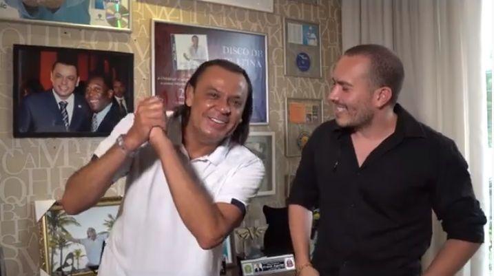 Em entrevista a Júnior Pacheco, cantor Frank Aguiar mostra nova decoração de sua mansão em SBC
