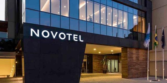 Novotel abre exposição Cores & Formas