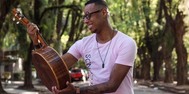 Conheça Júnior Paixão, cantor gaúcho que faz sucesso nas redes