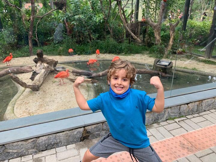 """Ator e modelo Vicente Alvite visita o Bio Parque do Rio: """"Está demais"""""""