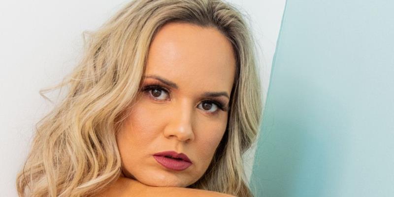 Katia Zava – conheça mais sobre a atriz e modelo baiana