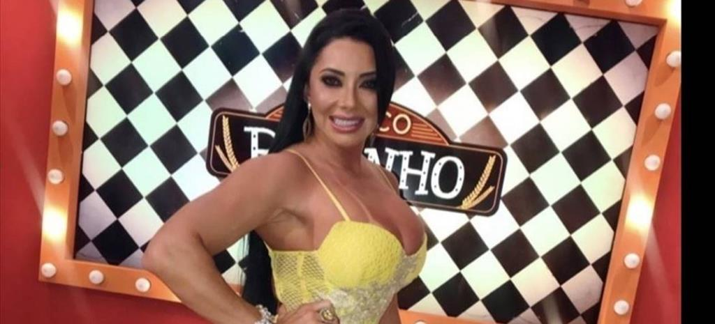 Amanda Pascoaleto estreia canal de entrevistas no YouTube